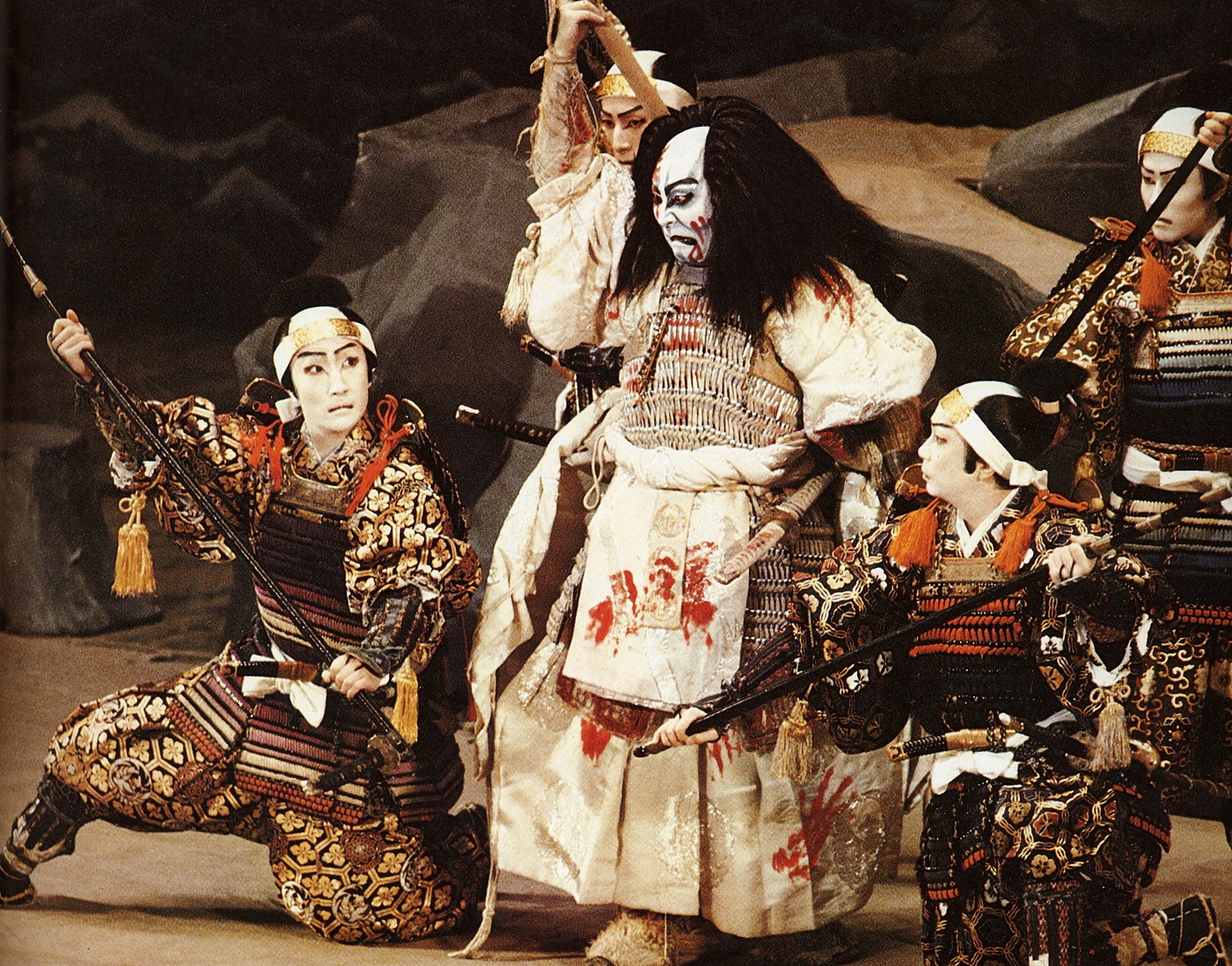 Noh, Kabuki and Renaissance Theater by on Prezi